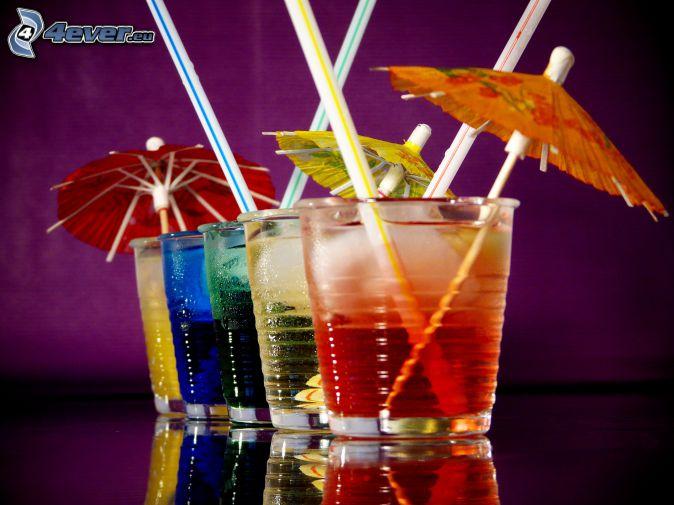 Cocktail, Regenschirme, Strohhalme