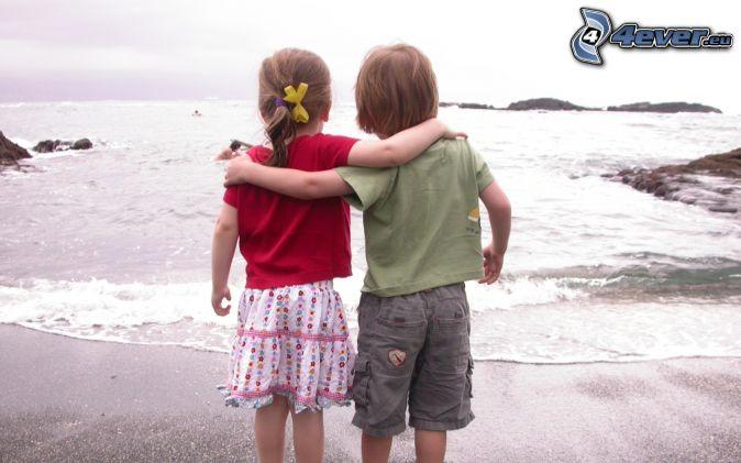 Junge und Mädchen