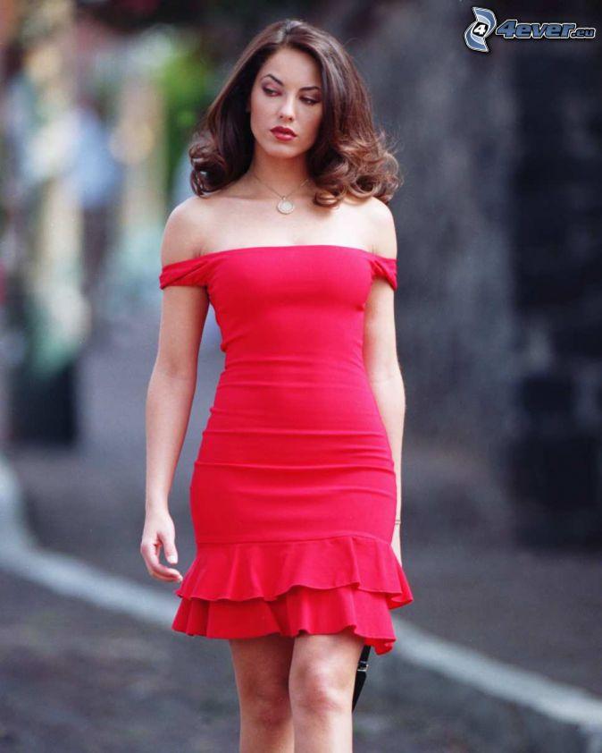 Barbara Mori, rotes Kleid