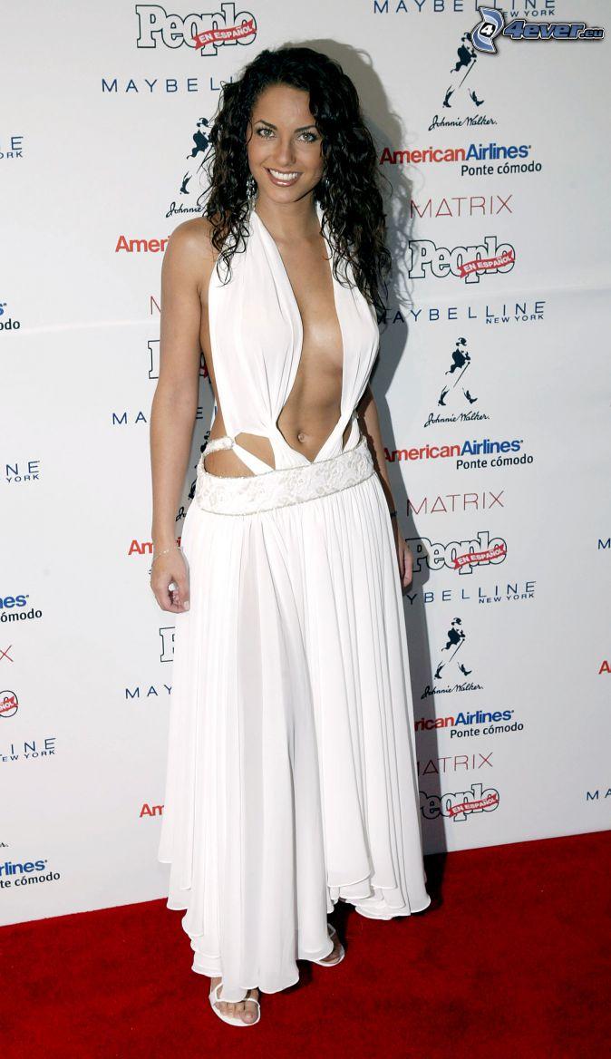 Barbara Mori, weißes Kleid, braless