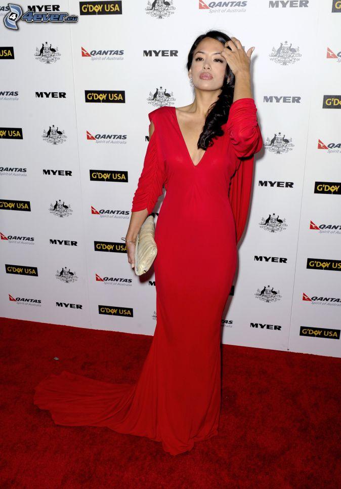 Stephanie Jacobsen, rotes Kleid