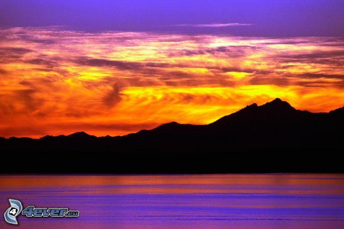 Berge meer wolken sonnenuntergang