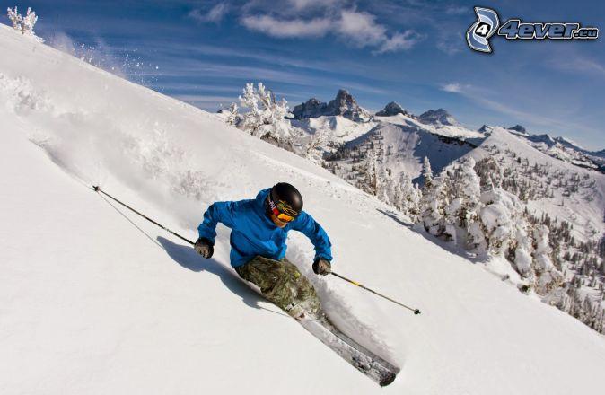 Skifahren schneebedeckte berge