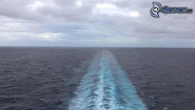 hinters dem Schiff, offenes Meer