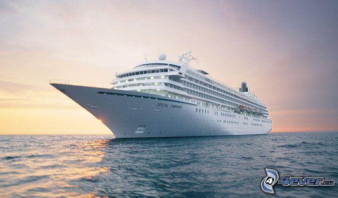Luxus-Schiff, nach Sonnenuntergang