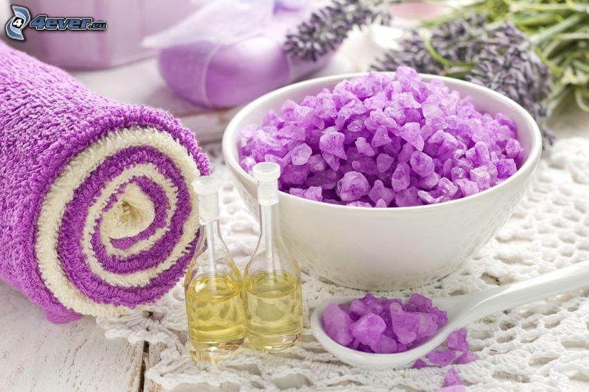 Badesalz, Öl, Handtücher, Lavendel
