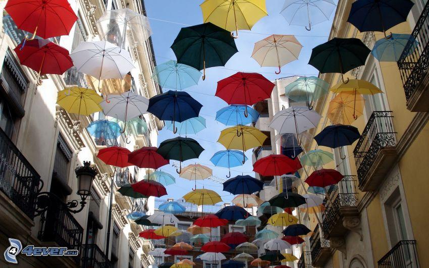 Regenschirme, Straße