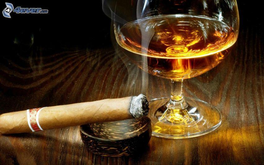 Zigarre, whisky