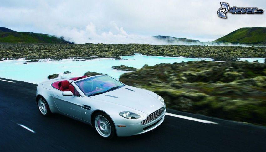 Aston Martin V8 Vantage, Cabrio, Geschwindigkeit
