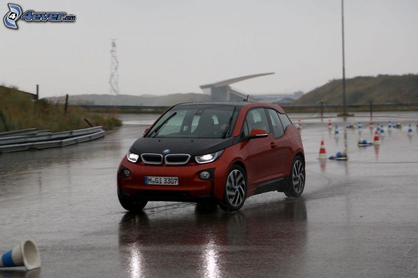 BMW i3, Straße, Leitkegeln