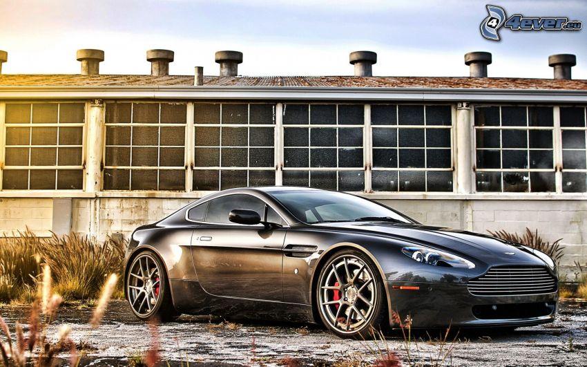 Aston Martin V8 Vantage, Gebäude, HDR