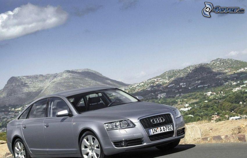 Audi, Hügel