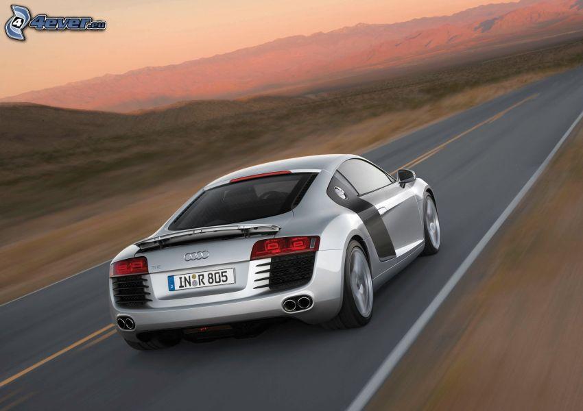 Audi R8, Geschwindigkeit