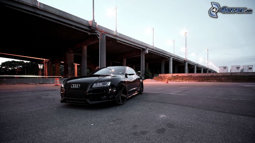 Audi S6, Brücke, Straßenlampen
