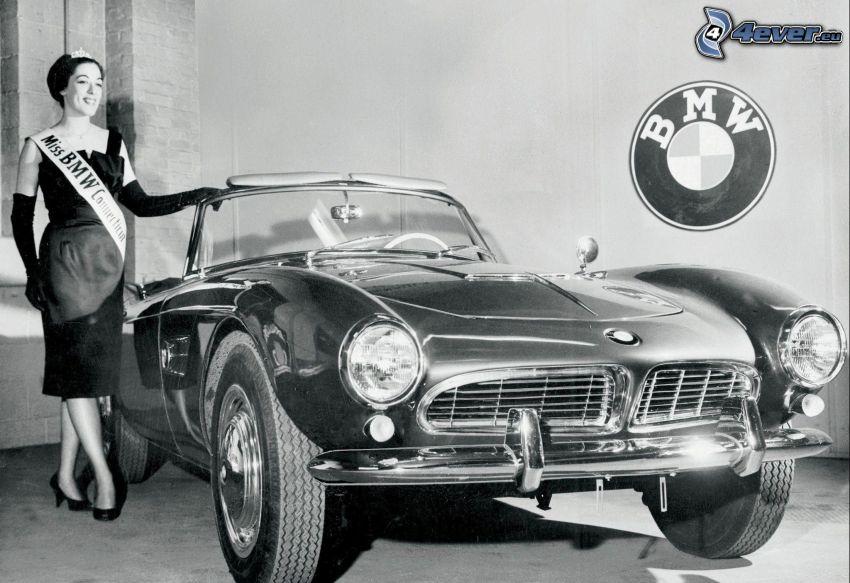 BMW 5, Oldtimer, Frau, schwarzweiß