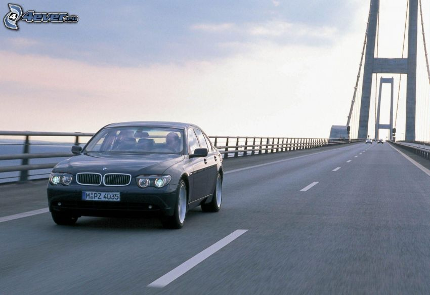 BMW 740, Brücke, Geschwindigkeit