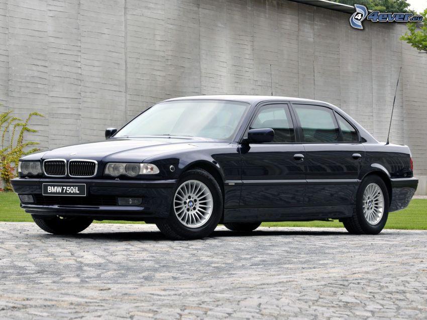 BMW 750 Li, BMW E38