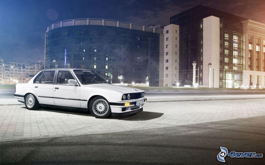 BMW E30, Oldtimer, Gebäude