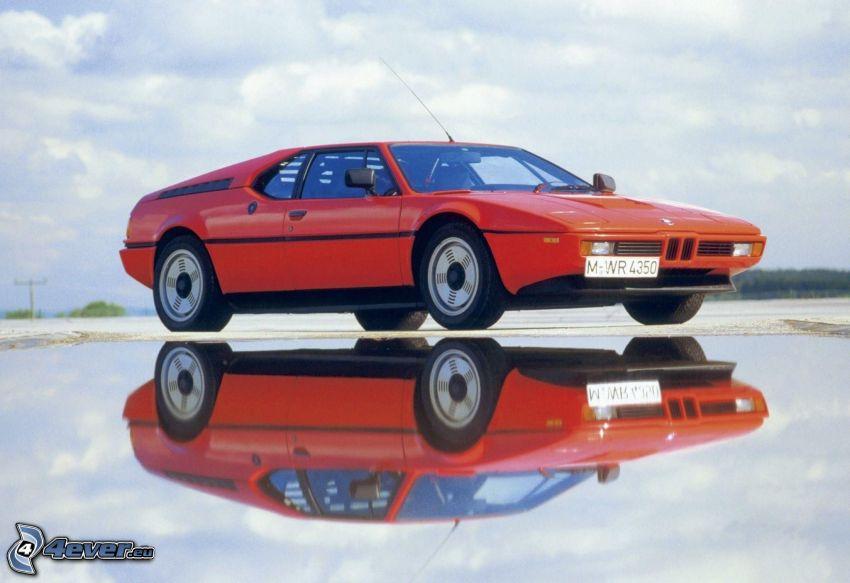BMW M1, Oldtimer, Spiegelung