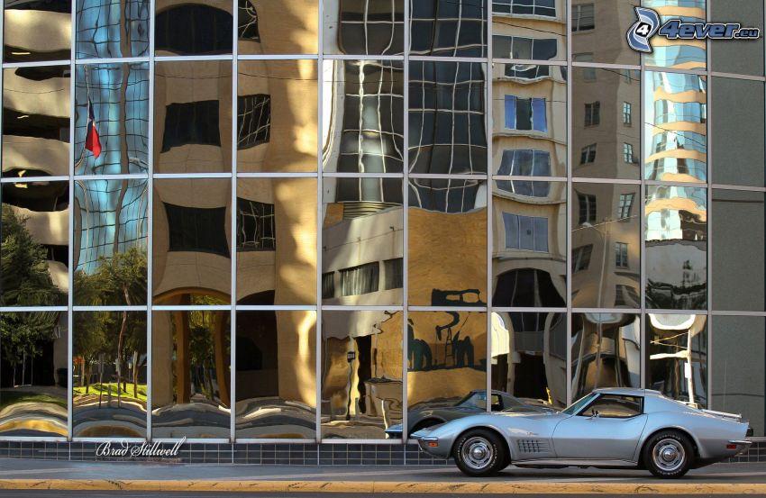 Chevrolet Corvette, Oldtimer, Gebäude, Glas, Spiegelung