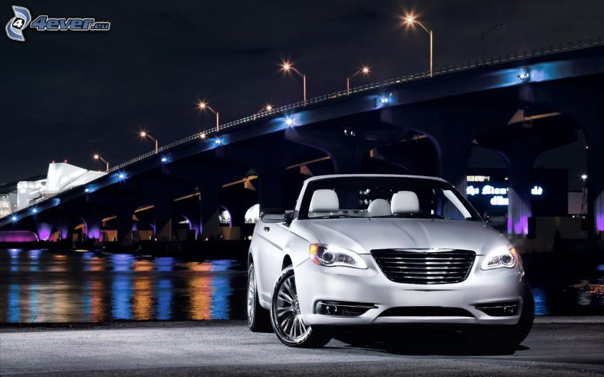 Chrysler 200 Convertible, Cabrio, beleuchtete Brücke