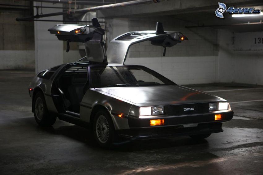 DeLorean DMC, Tür, Garage