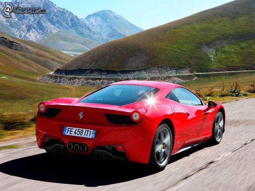 Ferrari 458 Italia, Hügel