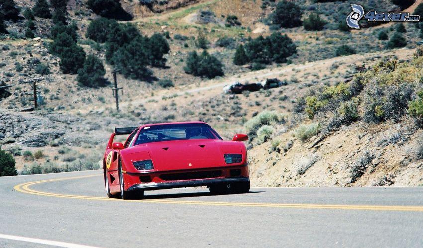 Ferrari F40, Hügel