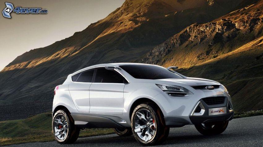 Ford Iosis, felsiger Hügel