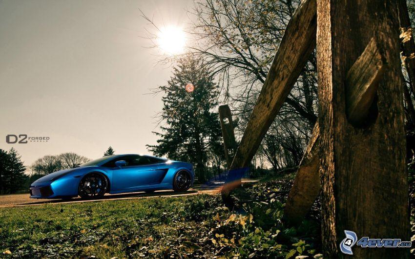 Lamborghini, alten Holzzaun