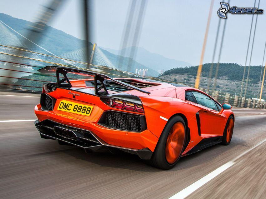 Lamborghini Aventador LP900, Brücke, Geschwindigkeit