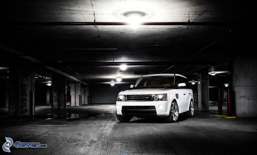 Land Rover DC100, Garagen