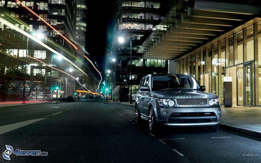 Land Rover DC100, Nachtstadt