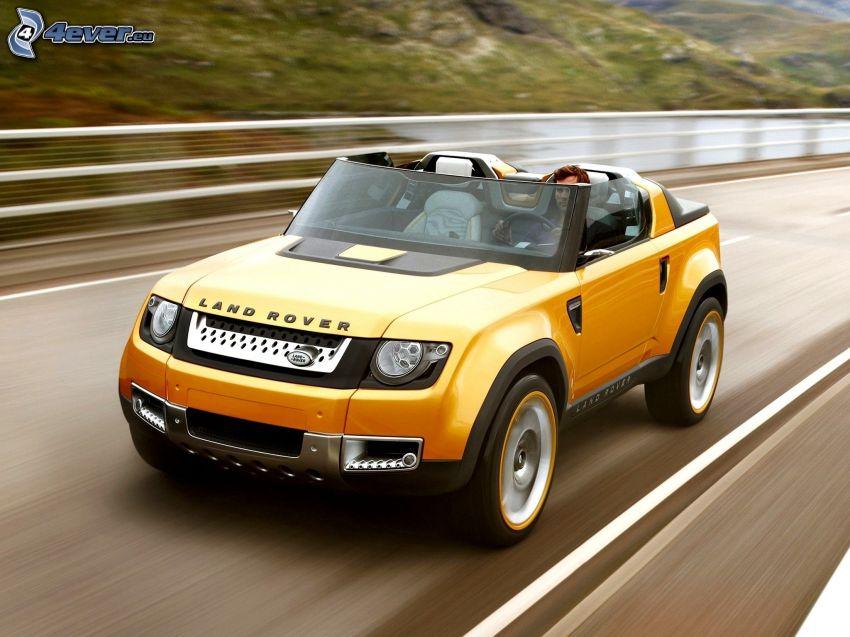 Land Rover DC100, Straße, Geschwindigkeit