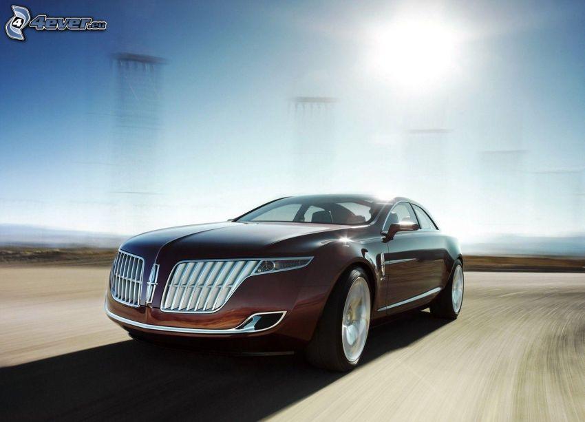 Lincoln MKR, Geschwindigkeit