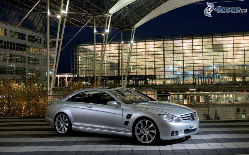 Mercedes-Benz CLS, Gebäude