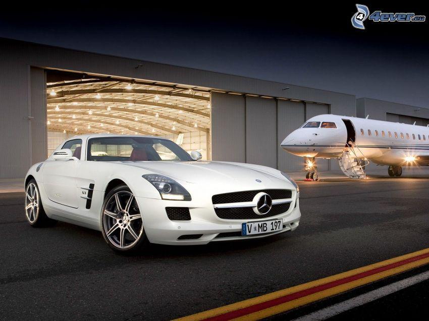 Mercedes-Benz SLS AMG, Flugzeug