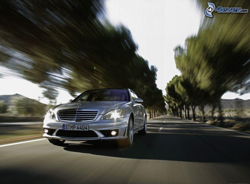 Mercedes-Benz SLS AMG, gerade Strasse, Geschwindigkeit
