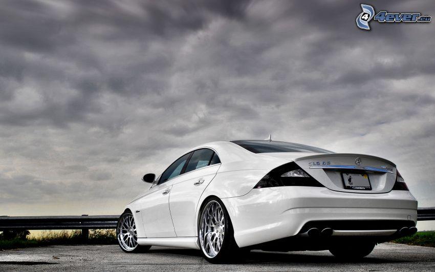 Mercedes CLS 63 AMG, Wolken