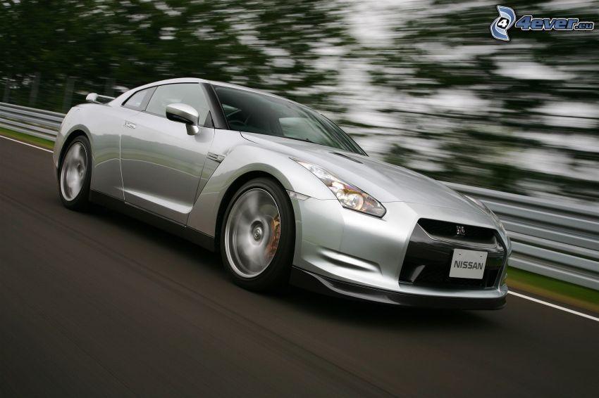 Nissan GTR, Geschwindigkeit