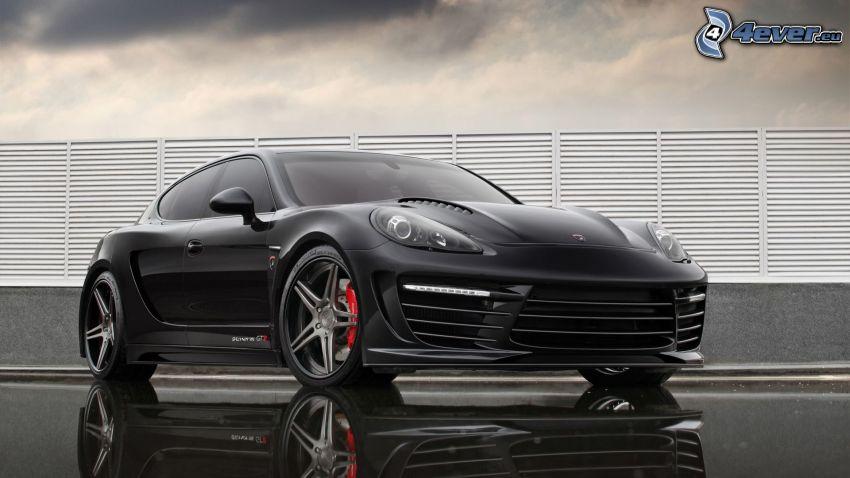 Porsche Panamera, Wolken, Zaun