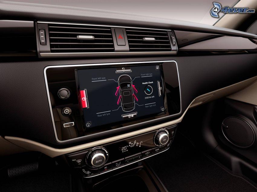 Qoros 3 Sedan, Innenraum, Navigation