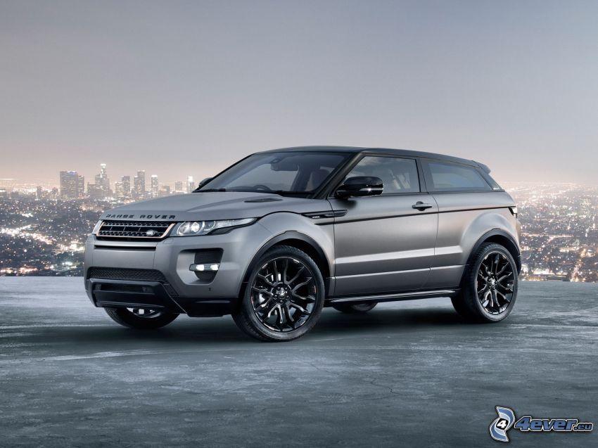 Range Rover, abendliche Stadt
