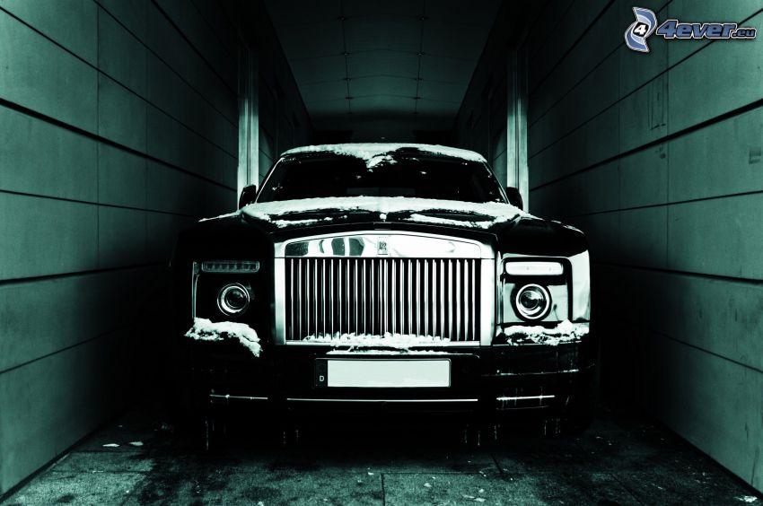 Rolls Royce, Mauern