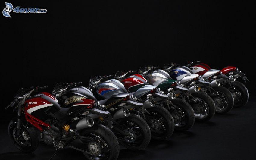 Ducati Monster 796, Motorräder