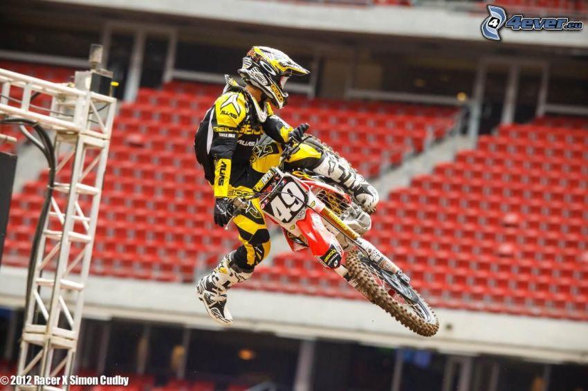 Justin Bogle, Akrobatik, motocross, Sprung auf den Motorräd
