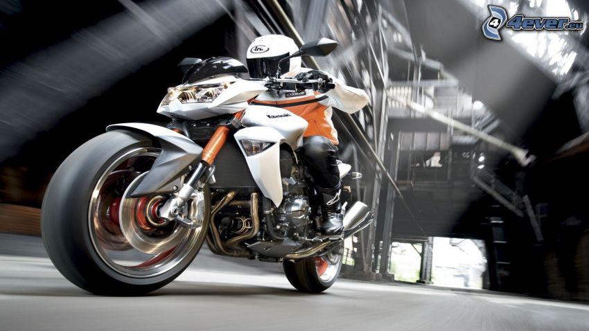 Kawasaki Z1000, Motorräder, Geschwindigkeit