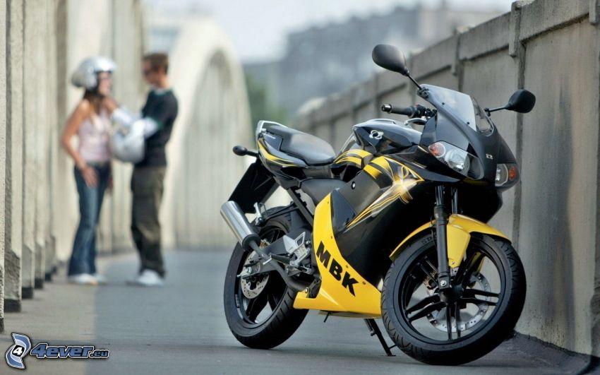 Yamaha TZR50, Mauer, Paar