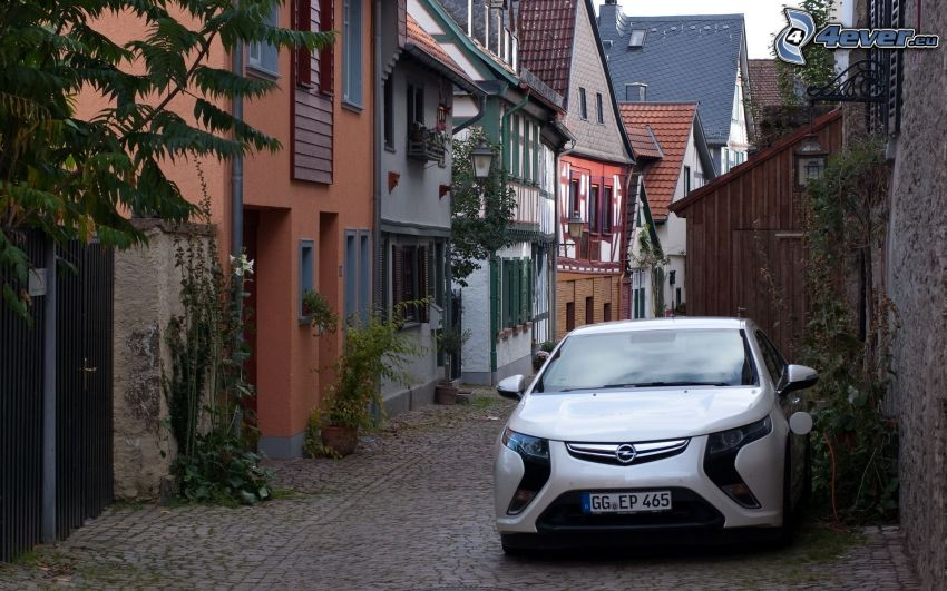 Opel Ampera, Gasse, reihe Häuser