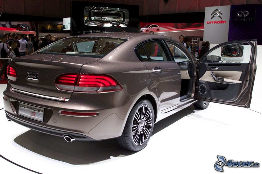 Qoros 3 Sedan, Ausstellung, Automobilausstellung